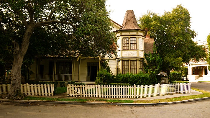 "Haunted house in ""Pretty Little Liars"" at Warner Bros. Studio"